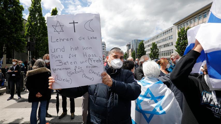Nürnberg , am  23.05.2021 Ressort: Lokales Foto: Stefan Hippel  Kornmarkt, Demonstration gegen Judenhass, Demo gegen Antisemitismus