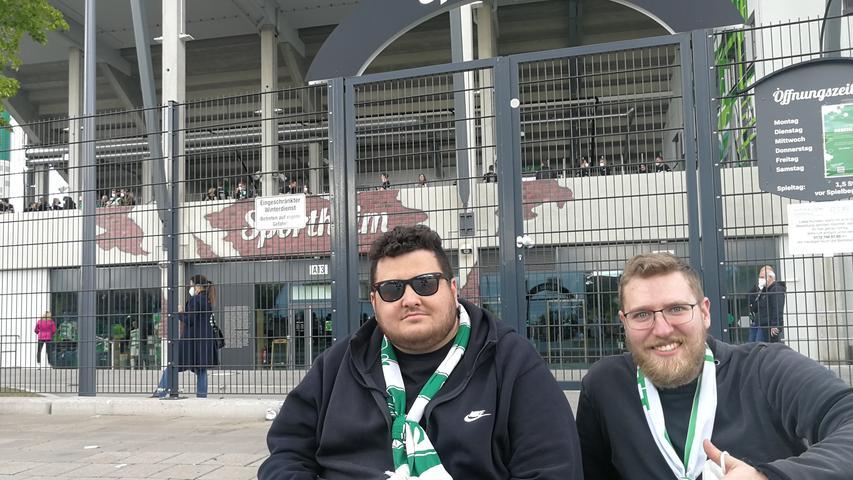 Nach dem Spiel sind Marco Schwarz (li.) und Markus Baloggeplättet.