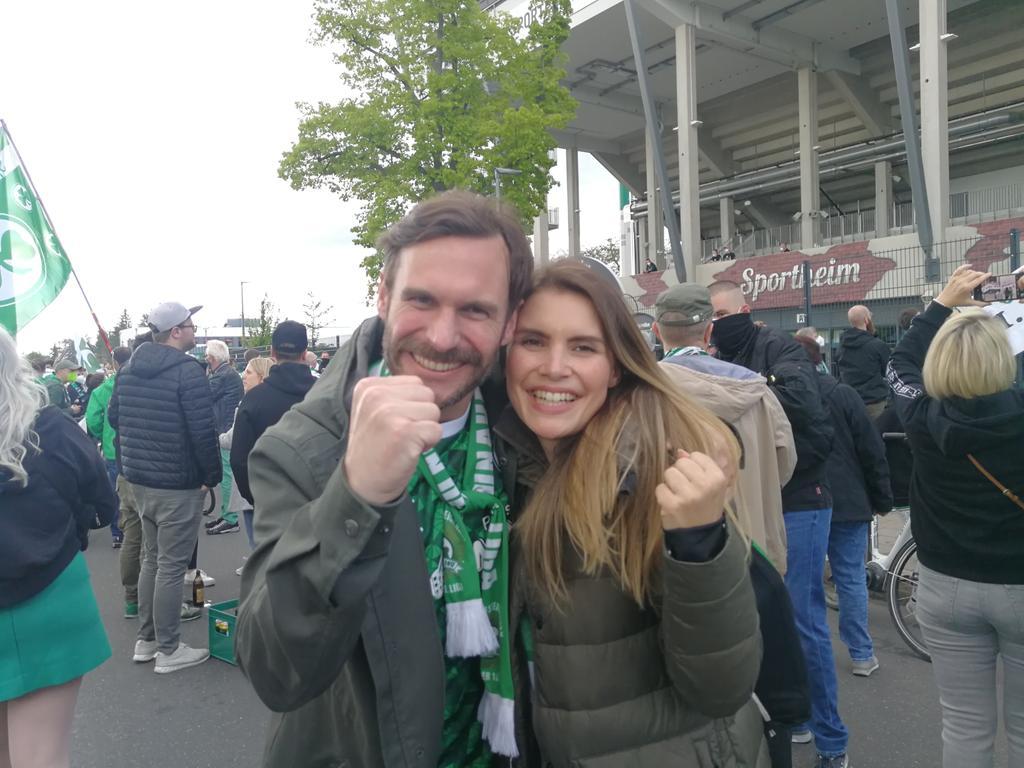 Aufstieg Kleeblatt Stimmen Fans Spielvereinigung Frank Schiener (40) und Kristin Wünsche (33)