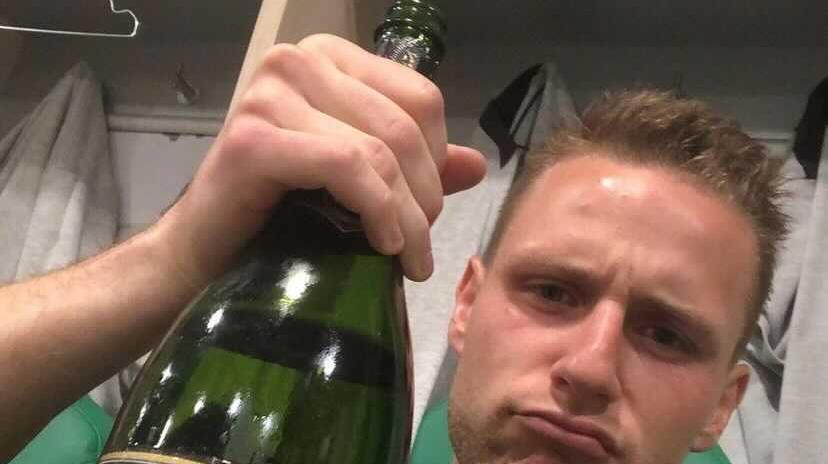 Küsse, Selfies und Sekt! Die Kleeblatt-Party auf Instagram