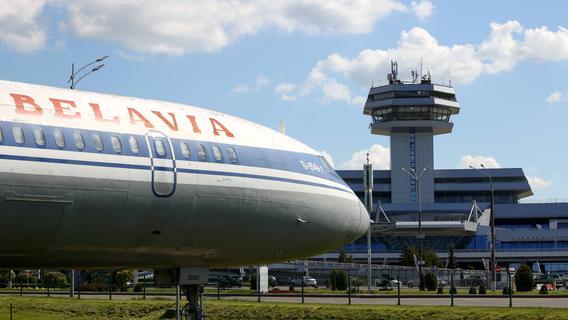 Druck auf Lukaschenko wächst: EU erwägt Überflugverbot für belarussische Flieger