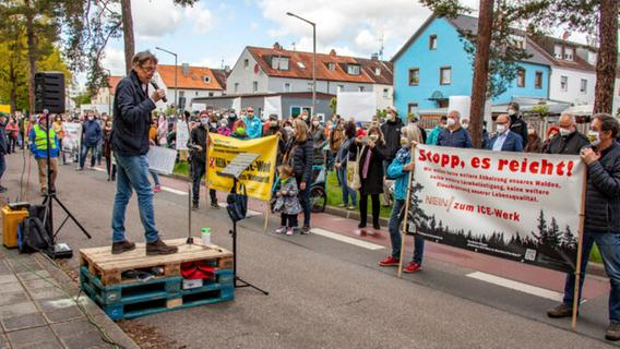 Protest und Zustimmung: Streit um ICE-Instandhaltungswerk