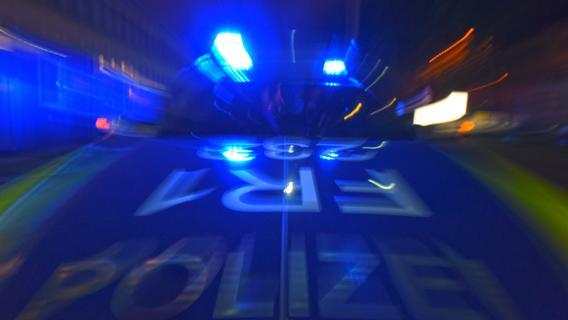 Dietfurt: Motorrad prallt in den Gegenverkehr