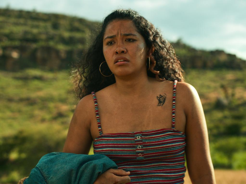 SOMOS (L to R) CARALY SANCHEZ as FLOR MARIA in Episode 103 of SOMOS. Cr.NETFLIX © 2021