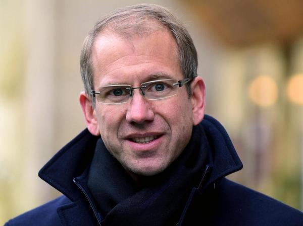 Marcus Steurer (46) ist seit knapp drei Jahren Infra-Geschäftsführer. Er lebt in Pinzberg im Landkreis Forchheim, ist verheiratet und hat einen Sohn. Seit 2003 arbeitet er bei der Infra, anfangs noch als Assistent der Vertriebsleitung. 2021 wurde er in den Klimarat der Bayerischen Staatsregierung berufen.