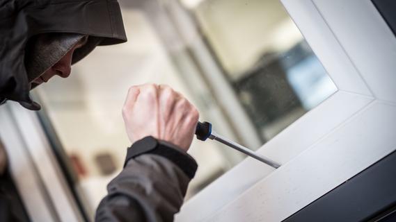 Auf der Suche nach Alkohol: Einbrecher hinterließ Personalausweis