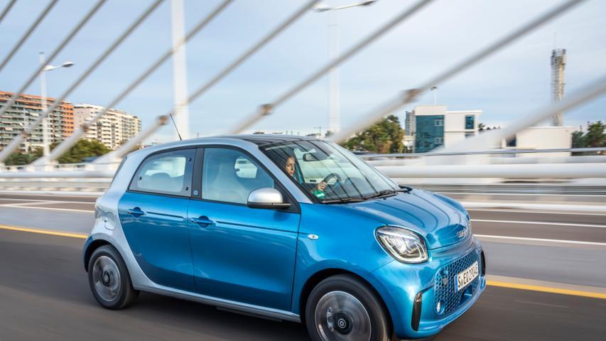 Der Smart forfour ist eng mit dem Renault Twingo verwandt.