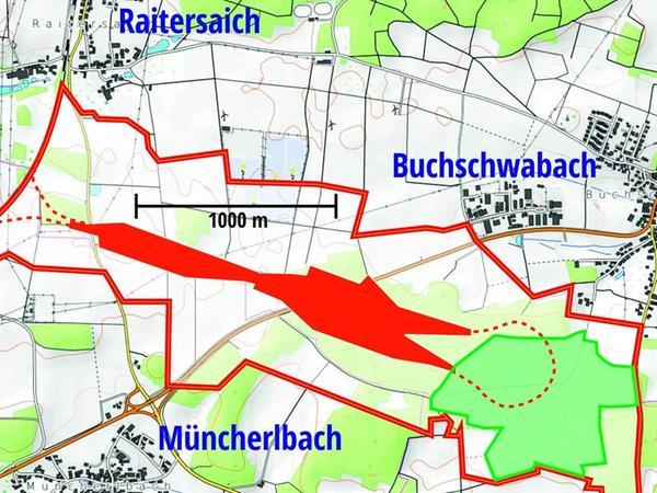 Klaus Grieninger vom kirchlichen Waldausschuss hat die mögliche Planung in eine Landkarte gebettet: Rot markiert sind die Werksgebäude, die rote Linie zeigt das beanspruchte Betriebsgelände, das eine 300 bis 400 Meter breite Schneise von der Bahnlinie bei Raitersaich an Buchschwabach vorbei bis zum Gewerbegebiet von Rohr schlagen würde. Im Weg ist nicht nur die B 14, sondern auch der Kirchenwald.