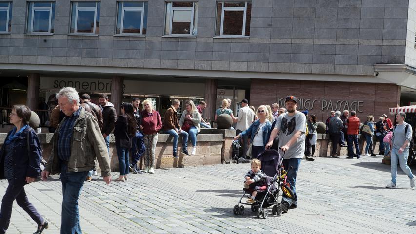 Erster verkaufsoffener Samstag in Nürnberg Foto: Peter Roggenthin/ Pauschal  Lokales, Lokalredaktion: Nürnberg  01728412146