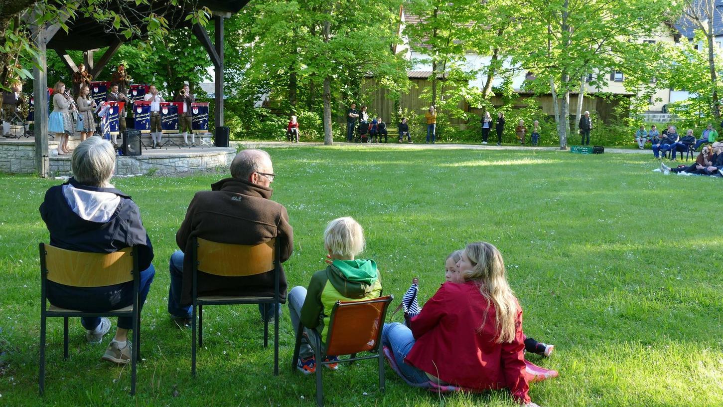 Das erste diesjährige Standkonzert im Kurpark Pottenstein wirkte wie ein Befreiungsschlag in der Pandemie.