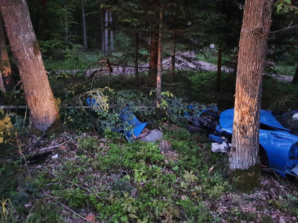 FOTO; Isabel-Marie Köppel / AB, 29.05.2021 MOTIV: Tödlicher Verkehrsunfall Wug23 zwischen Mitteleschenbach und Haundorf,  26-jähriger Fahrer starb vor Ort, Toyota