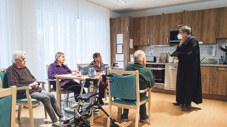 Gottesdienst im, Wohnbereich des Röthenbacher Karl-Heller-Stifts ist wieder möglich, sofern sich die Wohngruppen nicht mischen.
