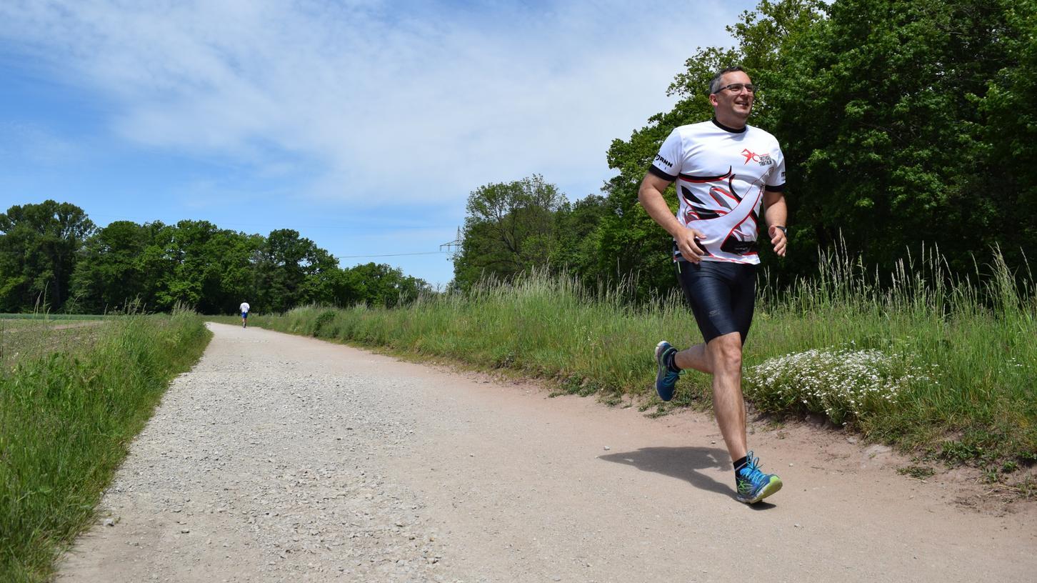 Laufen mitten in der Natur: René Hennauer auf seiner Lieblingsstrecke, die einmal rund um Gründlach führt.