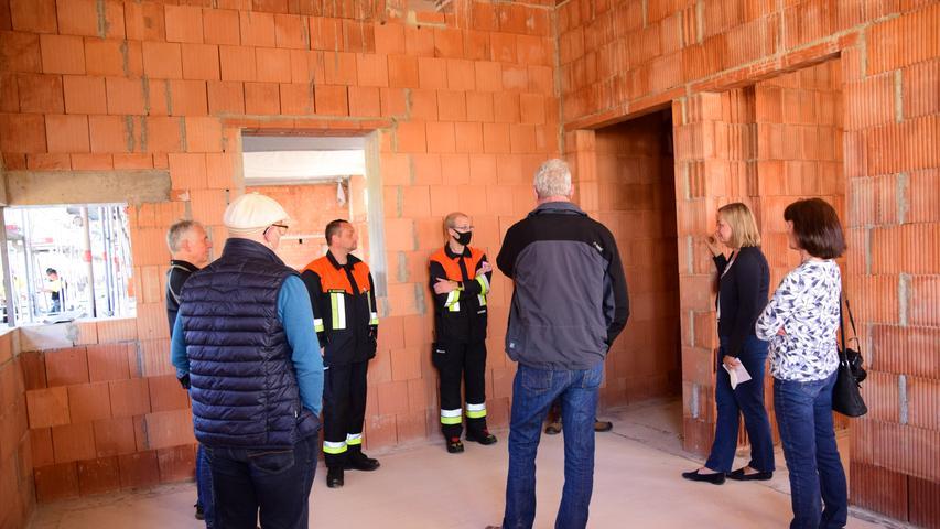 Rohbau steht: Richtfest am Treuchtlinger Feuerwehrhaus