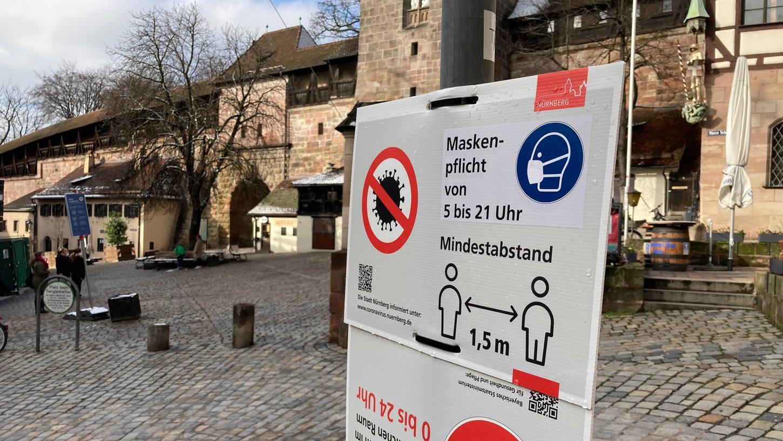 Aktuell liegt die Inzidenz im Stadtgebiet von Nürnberg bei 13,9 (Stand: 29. Juli). 72 Fälle hat es in den letzten sieben Tagen in der Frankenmetropole gegeben.