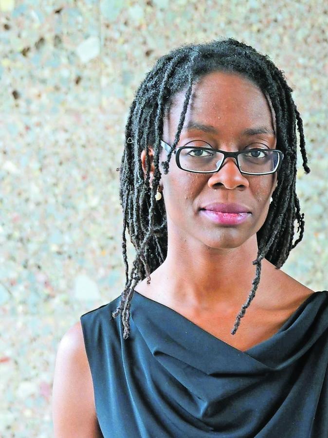 """Sharon Dodua Otoo ist Bachmann-Preisträgerin. Sie verknüpft in ihrem Roman """"Adas Raum"""" die Biografien verschiedener Frauen."""