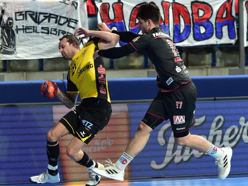 02.06.2021 --- Handball --- 1. Bundesliga LIQUI MOLY HBL --- Saison 2020 2021 --- 33. Spieltag: HC Erlangen Metropolregion Nürnberg HCE - HSC Coburg --- Foto: Sport-/Pressefoto Wolfgang Zink / OGo --- ..Florian Billek (21, HSC 2000 Coburg ) Benedikt Kellner (17, HC Erlangen HCE )