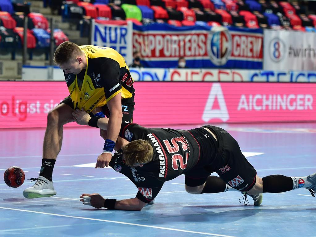02.06.2021 --- Handball --- 1. Bundesliga LIQUI MOLY HBL --- Saison 2020 2021 --- 33. Spieltag: HC Erlangen Metropolregion Nürnberg HCE - HSC Coburg --- Foto: Sport-/Pressefoto Wolfgang Zink / OGo --- ..Stepan Zeman (66, HSC 2000 Coburg ) Jan Schäffer Schaeffer (25, HC Erlangen HCE )