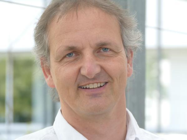 Auch Josef Weber aus dem Planungs- und Baureferat ist auf dem Dienstrad unterwegs.