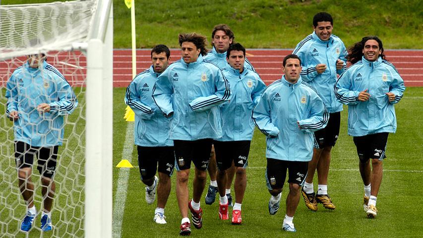Auf dem adidas-Gelände konntedie argentinische Elf trainieren. Auf genau diesem Adi-Dassler-Sportfeld trainiertauch die deutschen Fußballnationalmannschaft in Vorbereitung auf die EM 2021.