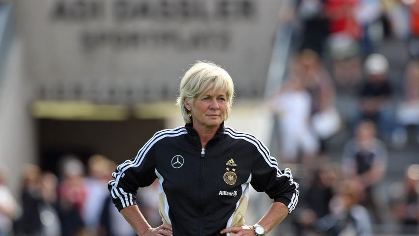 Auch die Frauennationalmannschaft hat schon auf dem Adi-Dassler-Sportplatz trainiert. Hier sieht man die frühere Bundestrainerin Silvia Neid. Das war 2011.