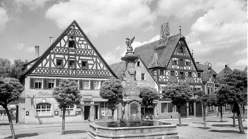 Der Rother Marktplatz und die Autos: Wenn sich Geschichte wiederholt