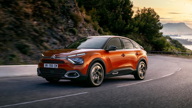 Hebt sich ab vom Gros der kompakten Konkurrenten: Citroën C4 mit Crossover-Optik.