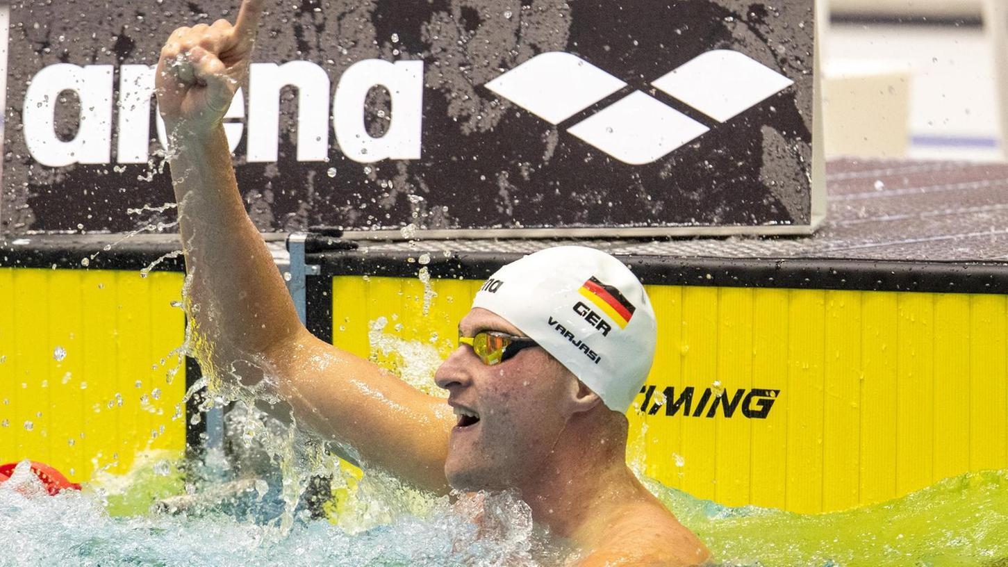 Fingerzeig in Berlin: Peter Varjasi bejubelt seinen Deutschen Meistertitel.