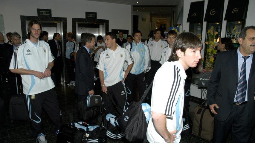 Als Lionel Messi(rechts) 2006 mit der argentinischen Nationalmannschaft in Herzogenaurach weilte (hier im Herzogs Park), konnte man da schon ahnen, dass er ein Superstar werden würde?