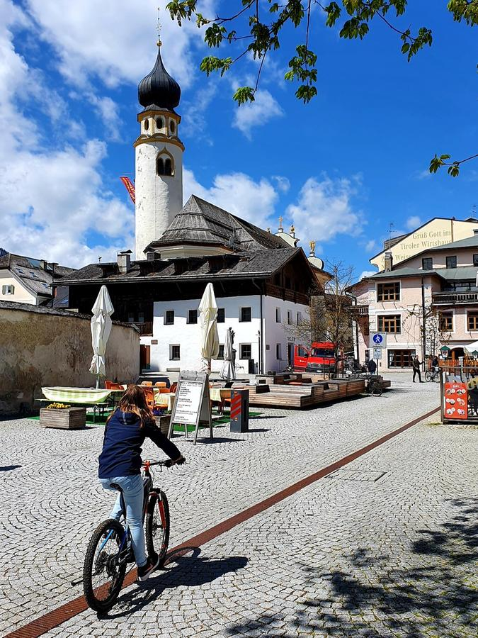 In Innichen beginnt eine E-Bike-Tour über den Toblacher See bis zu den drei Zinnen.