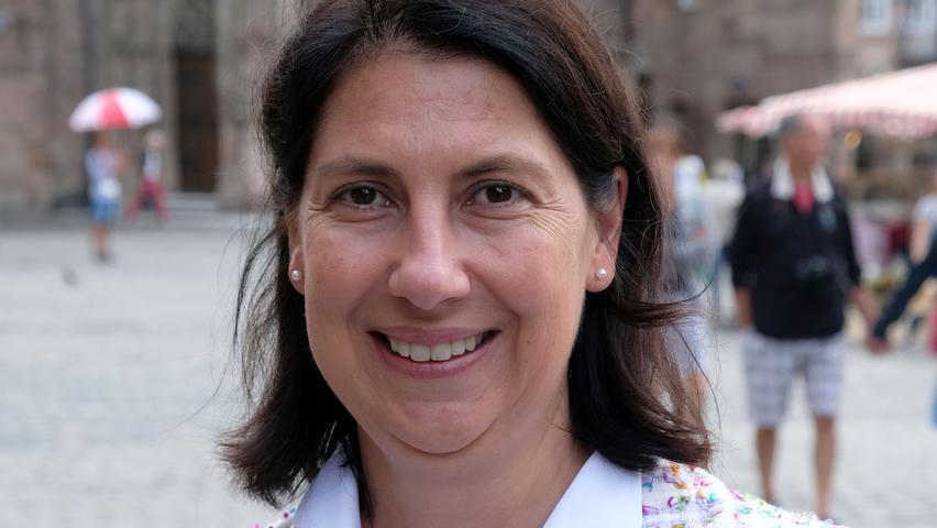 Katja Hessel ist im Wahlkreis Nürnberg-Nord wiedergewählt worden. Als Nummer zwei auf der Liste der Liberalen musste die Rechtsanwältin und Steuerberaterin nicht um eine Fortsetzung ihrer parlamentarischen Laufbahn bangen. Sie hat es aber auch schon anders erlebt. Die 49-Jährige gehörte von 2008 bis 2013 dem Landtag an - als die Freien Demokraten den Wiedereinzug verpassten, musste auch Hessel eine Pause einlegen.