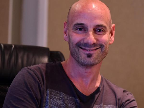 Der Franzose Sébastien Angrand ist Schlagzeuger und Komponist.