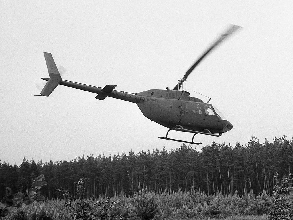 Dem Spaziergänger kann es allerdings passieren, daß plötzlich statt der Stille ohrenbetäubender Lärm herrscht, weil einige Meter neben ihm ein Hubschrauber der US-Armee niedergeht.