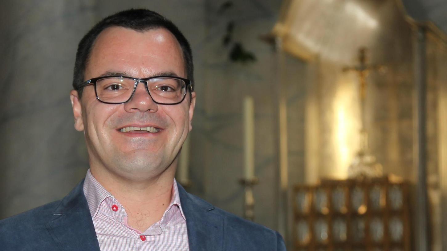 """Pfarrer Matthias Blaha, in Auerbach aufgewachsen, ist ab dem heutigen Mittwoch jeden zweiten Tag bei """"Auf ein Wort"""" im Bayerischen Rundfunk zu hören."""