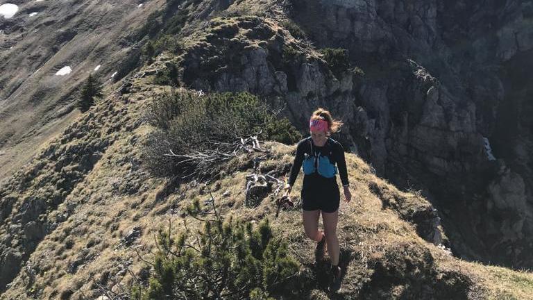 Anni Johann - hier am Schönfeldjoch - will ab Donnerstag den Alpe-Adria-Trail laufen.