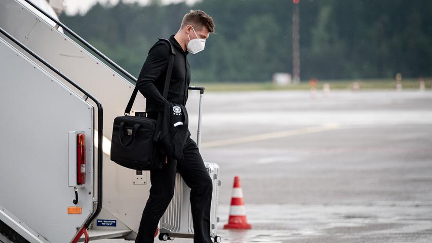 08.06.2021 --- Fussball - UEFA Euro 2021 --- Medientermin Pressetermin - Presse-/Sportofoto Wolfgang Zink / ThHa --- Ankunft der Deutschen Fussball Nationalmannschaft / DFB / Die Mannschaft ---  am Flughafen Nürnberg Albrecht Dürer ---