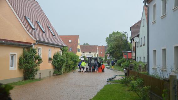Starkregen überflutete Straßen und Keller in Windsfeld