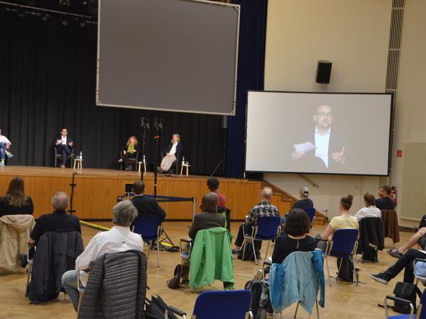 Ein Schritt zurück in die Normalität. Bei der Diskussion im Markgrafensaal waren erstmals wieder Bürgerinnen und Bürger zugelassen.