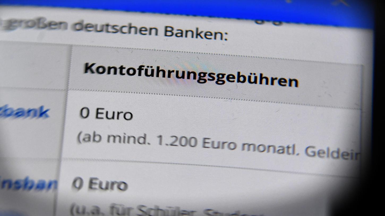 Kunden müssen in Zukunft zustimmen, wenn die Bank die Kontoführungsgebühren erhöht.