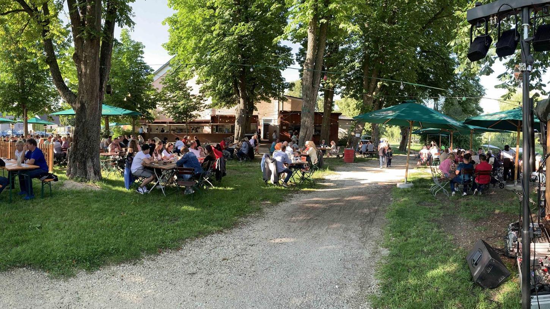 Heute um 19 Uhr starten die Biergartenkonzerte im Biergarten neben der Stadthalle wieder in eine neue Runde.