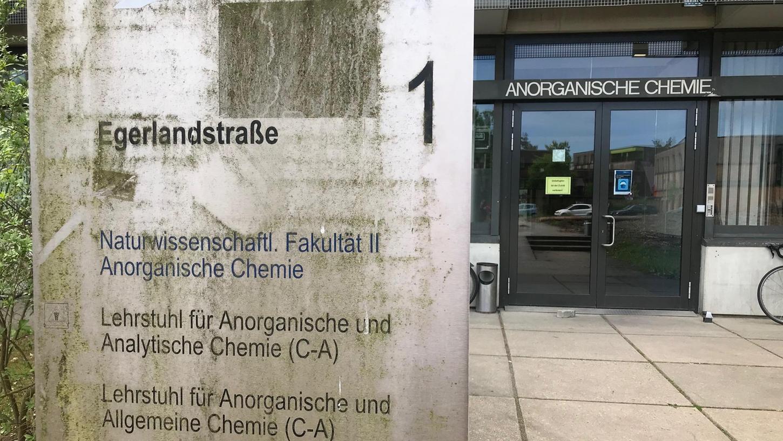 Baufällig und nicht mehr auf dem Stand der Zeit: Die Gebäude, in denen sich die naturwissenschaftliche Fakultät wie die Anorganische Chemie heute noch befinden.
