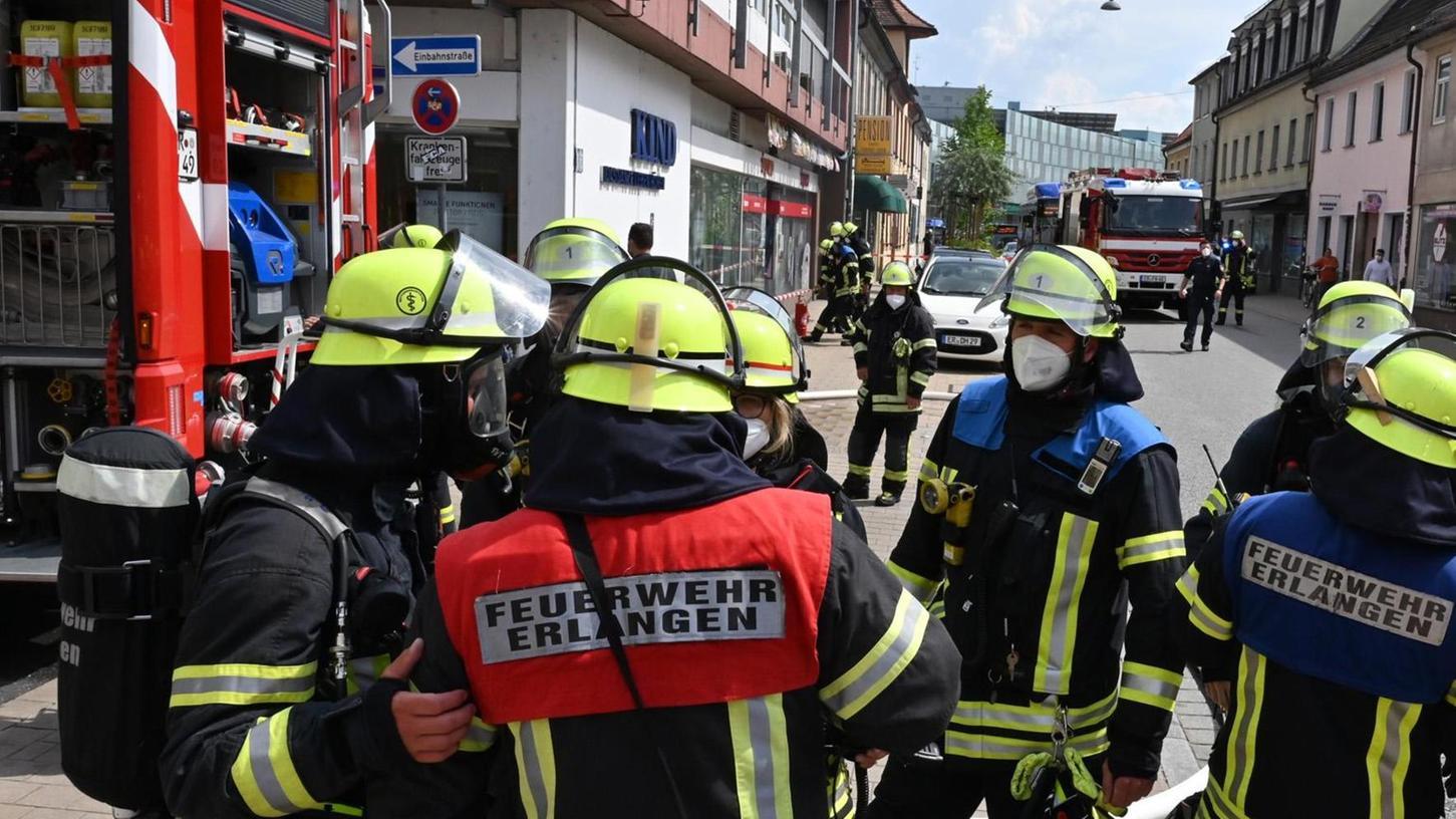 Die Feuerwehrmänner gingen zügig gegen den Brandherd vor.