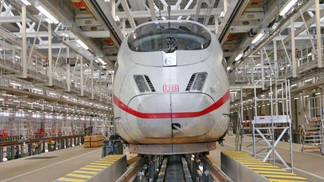 Aus den Fehlern im ICE-Werk Köln-Nippes wollen die Verantwortlichen der Deutschen Bahn lernen und sie am neuen Standort nahe Nürnberg vermeiden