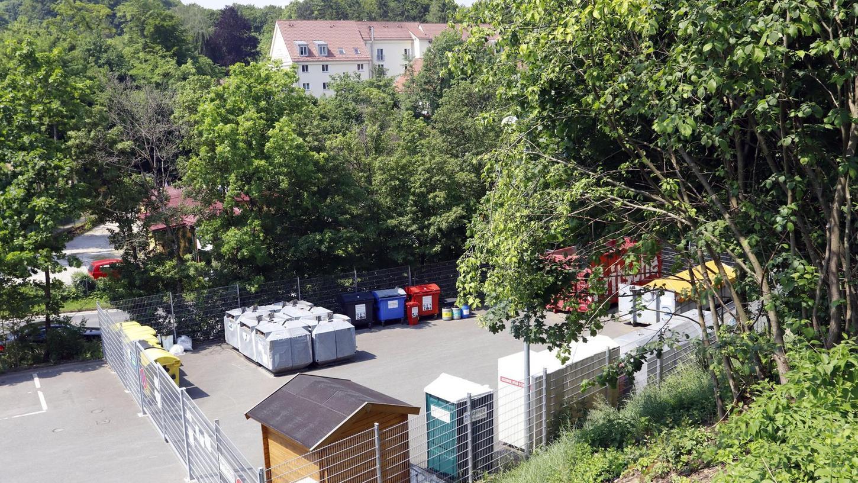 Bei den allermeisten Wertstoffhöfen im Landkreis Forchheim (hier die Anlage in Gößweinstein) wird das Personal über das Landratsamt gestellt. Nun gibt es die Idee, dass die Kommunen sich selbst ums Personal kümmern sollen.