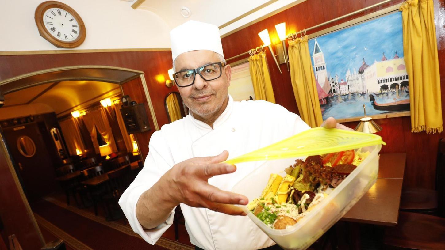 In seinem Orient-Restaurant