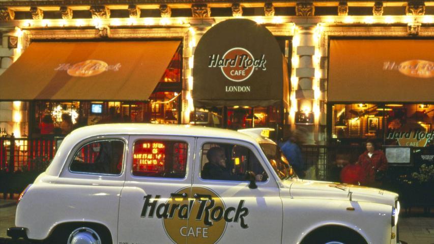 Vor 50 Jahren wollten Peter Morton und Isaac Tigrett eigentlich nur ein paar anständige, amerikanische Burger im prüden London verkaufen. Doch dann kamen die Rockstars - und aus ihrem Hard Rock-Cafe wurde eine weltweit bekannte Marke mit Milliardenwert.