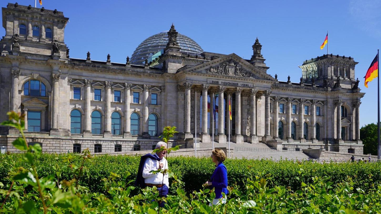 Der Weißenburger CSU-Bundestagsabgeordnete Artur Auernhammer und seine Kollegin Anja Weisgerber ließen sich von der Weißenburger Agentur Burning Bird für Wahlkampfvideos in Szene setzen.