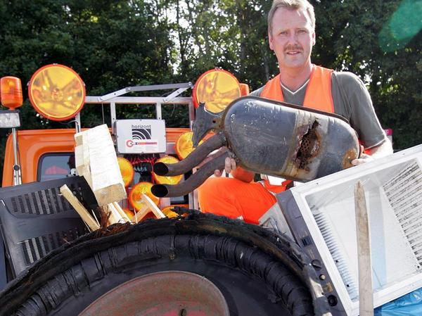 8000 Tonnen Müll im Jahr landen auf Autobahnen, schätzt der Auto Club Europa (ACE).