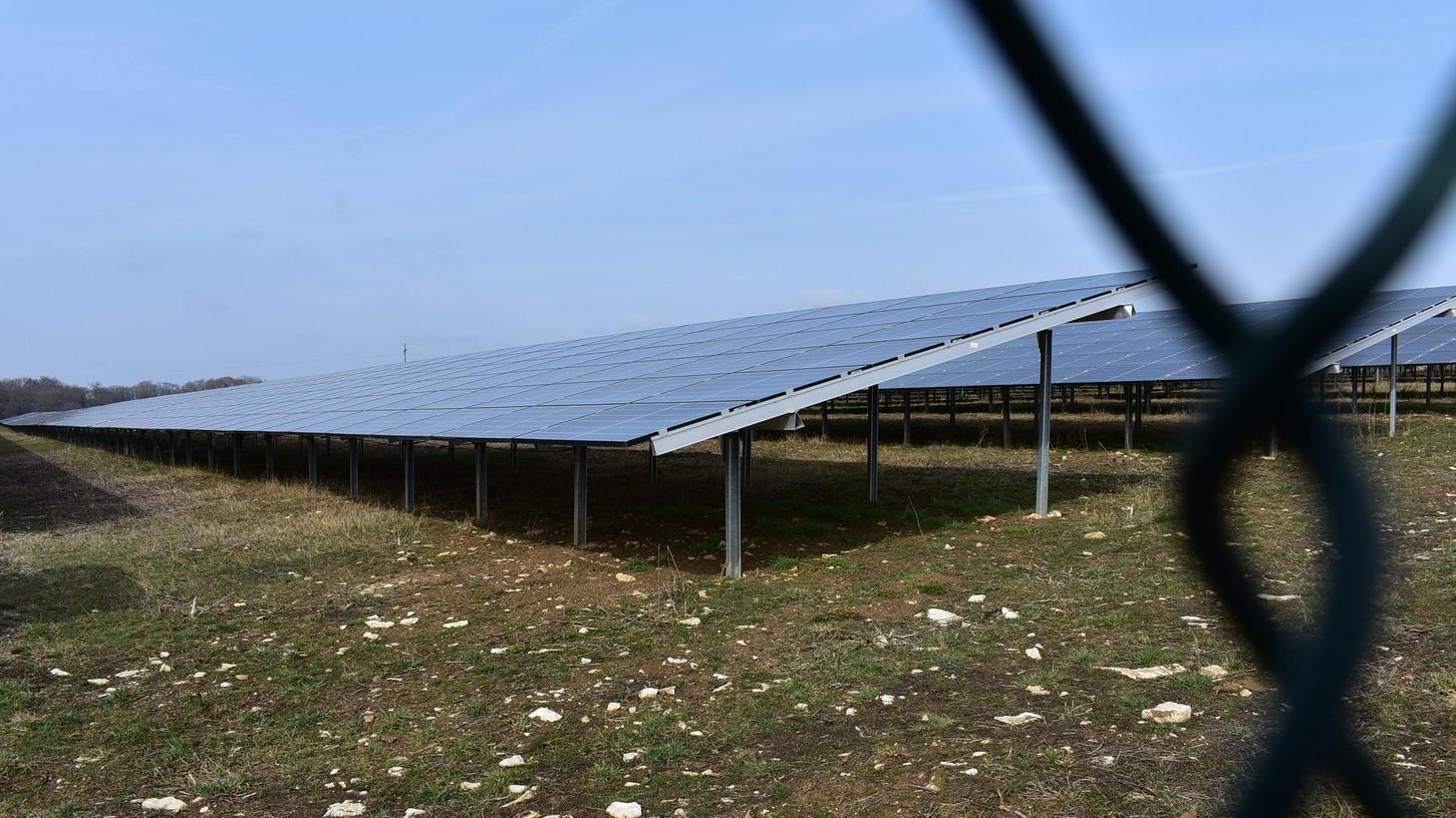 Über die Wege, wie Gräfenberg mehr Energie aus der Sonne ziehen kann (im Bild Walkersbrunn), ist sich der Stadtrat fast einig. Skeptisch sind die Grünen.