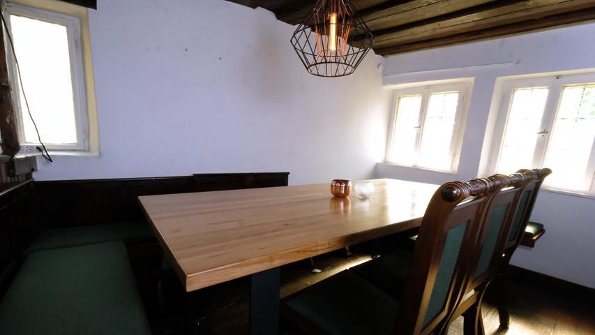 Forchheim , am 10.06.2021..Ressort: Lokales ..Foto: Roland Fengler..,....Gastro: Schiefes Haus,..Schiefes Haus in Forchheim eröffnet neu am 18./19. Juni.....Restaurant Grastro..